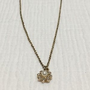 Forever21 Small Pearl Flower Necklace